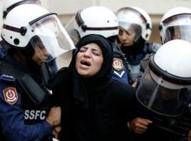 البحرين تعتقل الناشطة معصومة السيد لممارستها حقها في التجمع