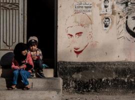 في الوقت الذي تطلب فيه البحرين الدعم الاقتصادي من دول مجلس التعاون الخليجي، فإن المجتمعات المهمشة هي الأكثر تضررا من جراء التراجع
