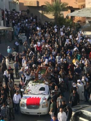 المئات من البحرينيين يشاركون في تشييع سيد كاظم عباس
