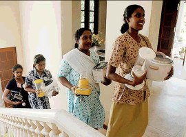 Sri Lankan Workers Return Home after Abuse in GCC